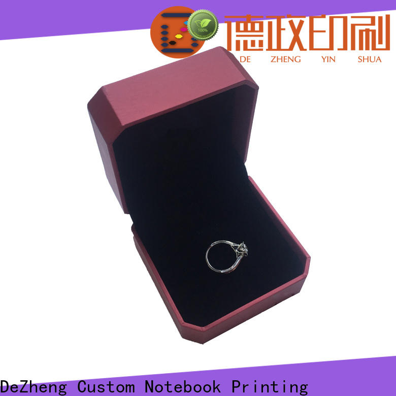 Dezheng kraft paper jewelry boxes factory