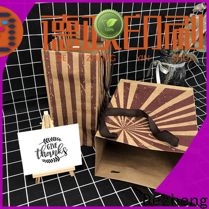 Dezheng kraft paper gift box customization
