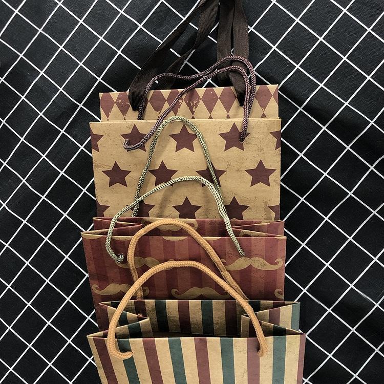 2020 China Custom Printing Gift Bags Colour Kraft Paper Bag With Logo Print