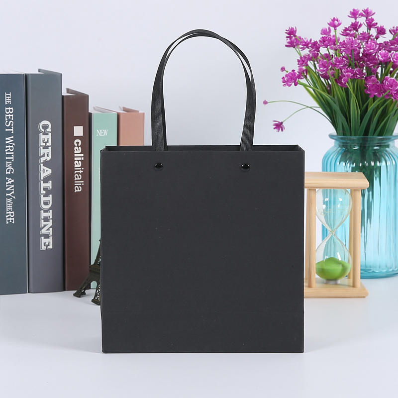 Guangzhou China paper bags manufacturers custom blank black paper gift bags with handle